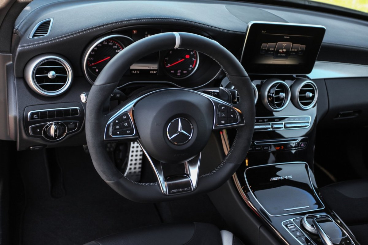 Wimmer Mercedes C63 S AMG rood 2015 14