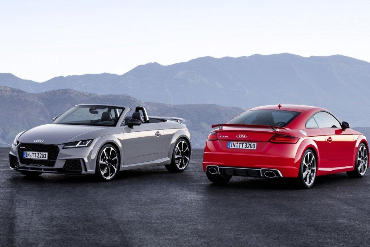 Audi TT RS Quattro Coupe Roadster rood geel 2017 07