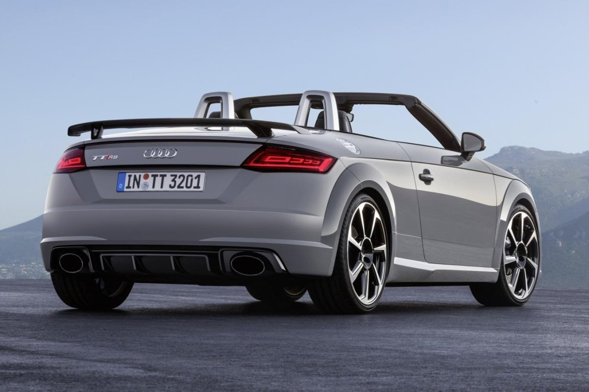 Audi TT RS Quattro Coupe Roadster rood geel 2017 15