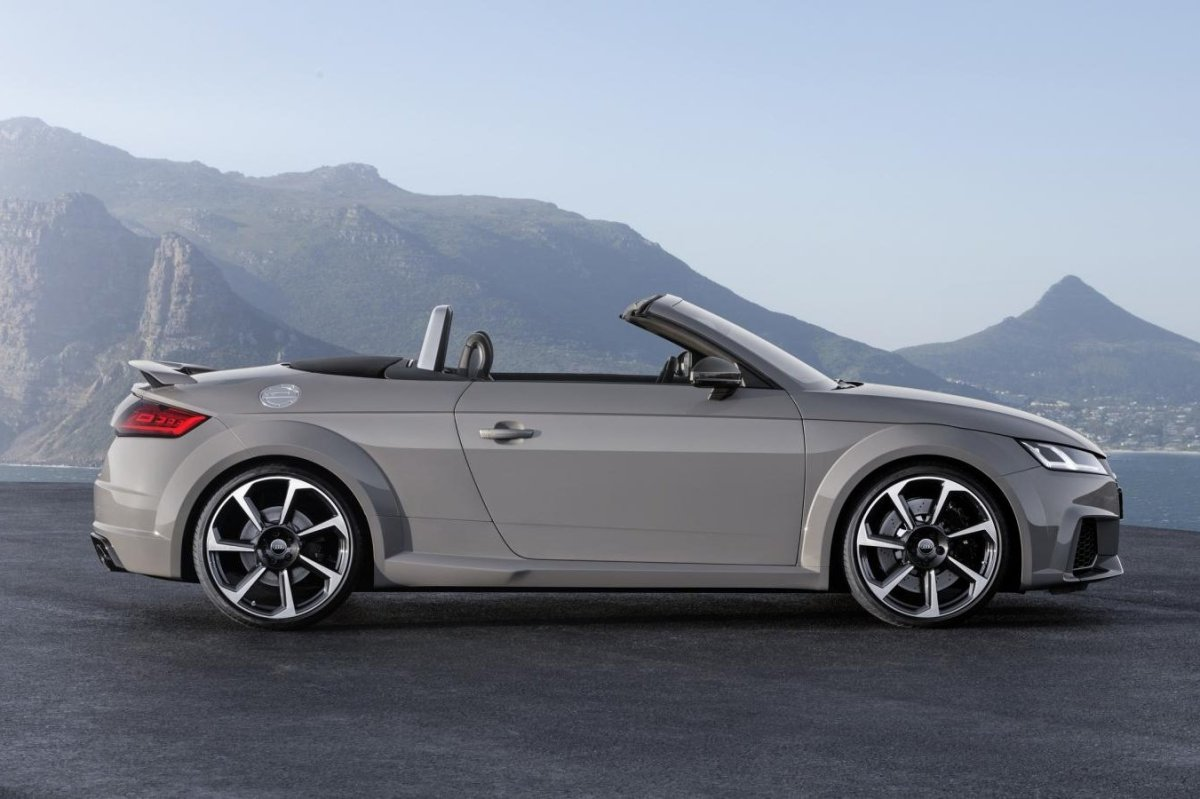 Audi TT RS Quattro Coupe Roadster rood geel 2017 20
