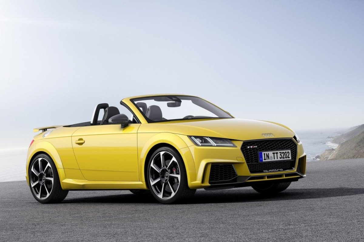 Audi TT RS Quattro Coupe Roadster rood geel 2017 41