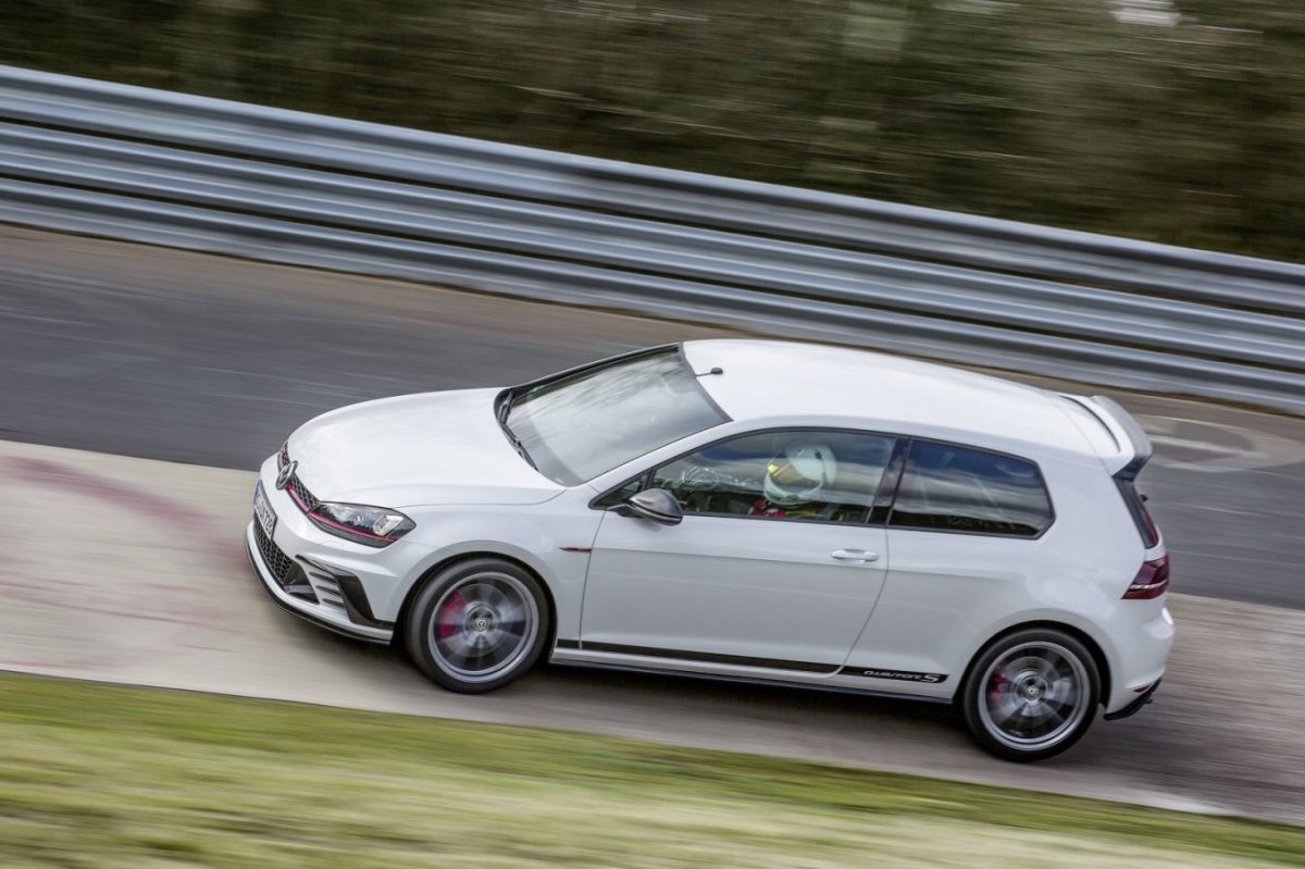 Volkswagen Golf GTI Clubsport S Nuerburgring record 2016 2017 15