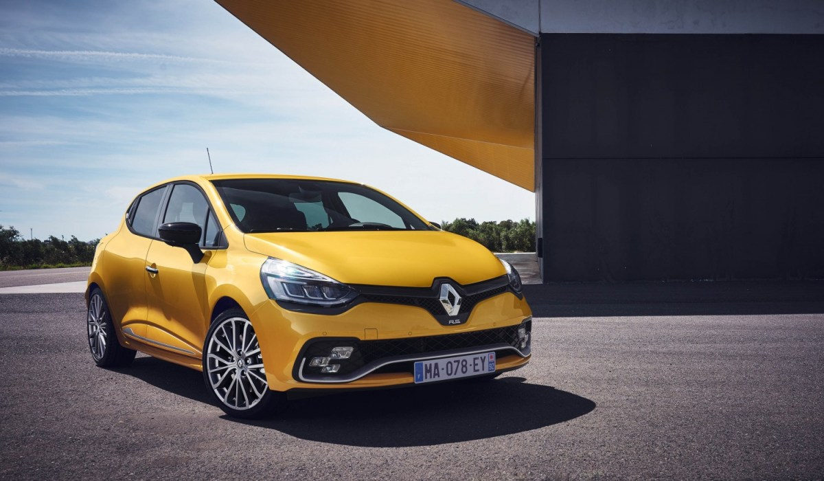 Renault Clio IV Berline RS GT-Line B98 200 EDC Phase 2 01