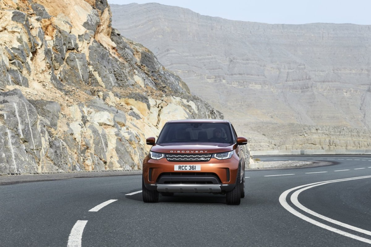land-rover-discovery-2017-07