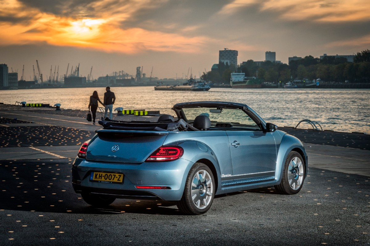 volkswagen-beetle-denim-cabriolet-exclusive-series-09
