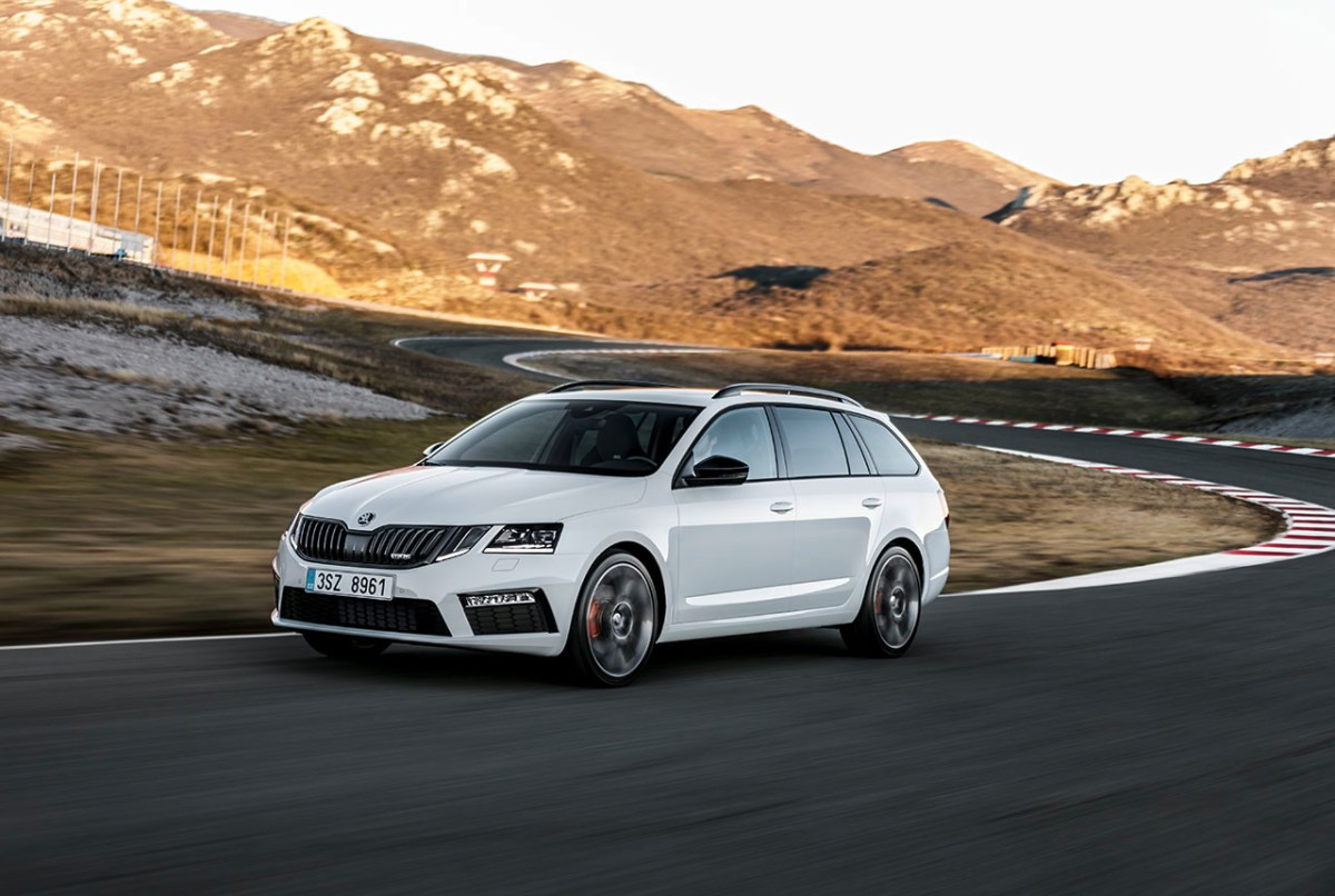 skoda-octavia-rs-combi-hatchback-wit-facelift-2017-03
