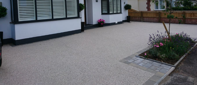 Low Maintenance Driveways – TOP Two Paving Surfacing Choices