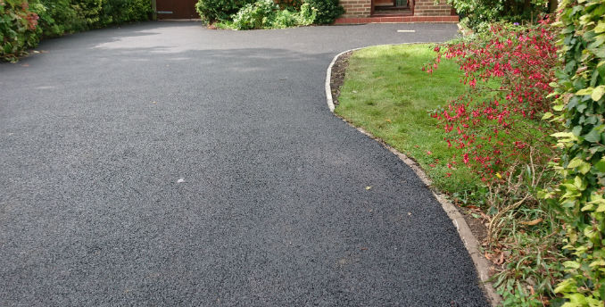 How a Tarmac Driveway can Stand Out!