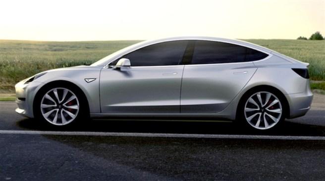 Tesla Model 3 in silver