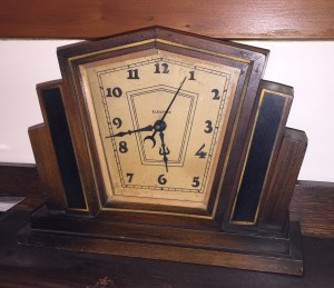 Circa early 1930's Art Deco mantle clock.