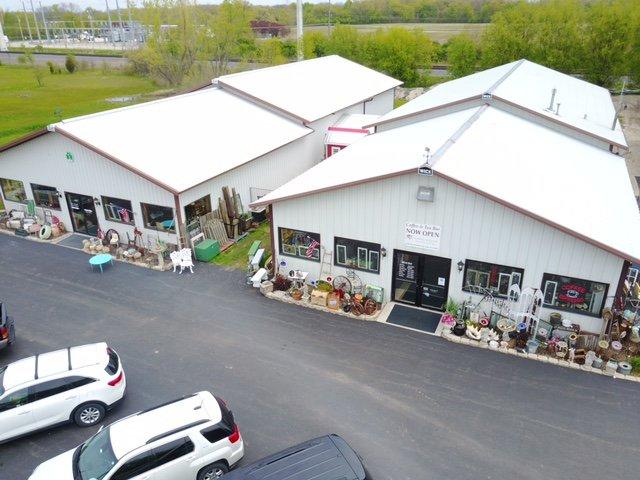 Great Lakes Antiques & Boutique.