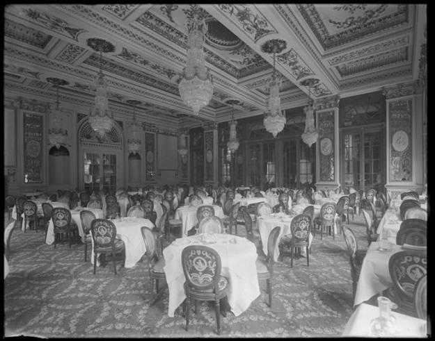 Small dining room of the Plaza Hotel.