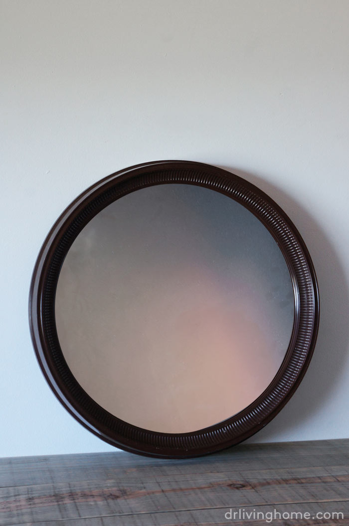 Cómo renovar un feo espejo redondo