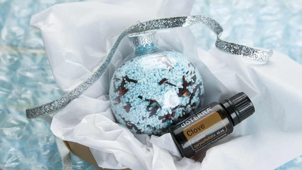 bath-salt-ornament