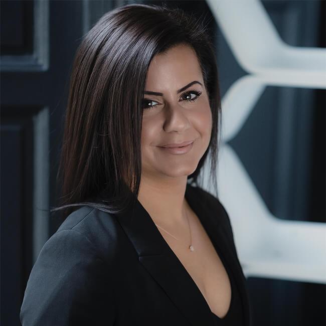 Dr Lauren