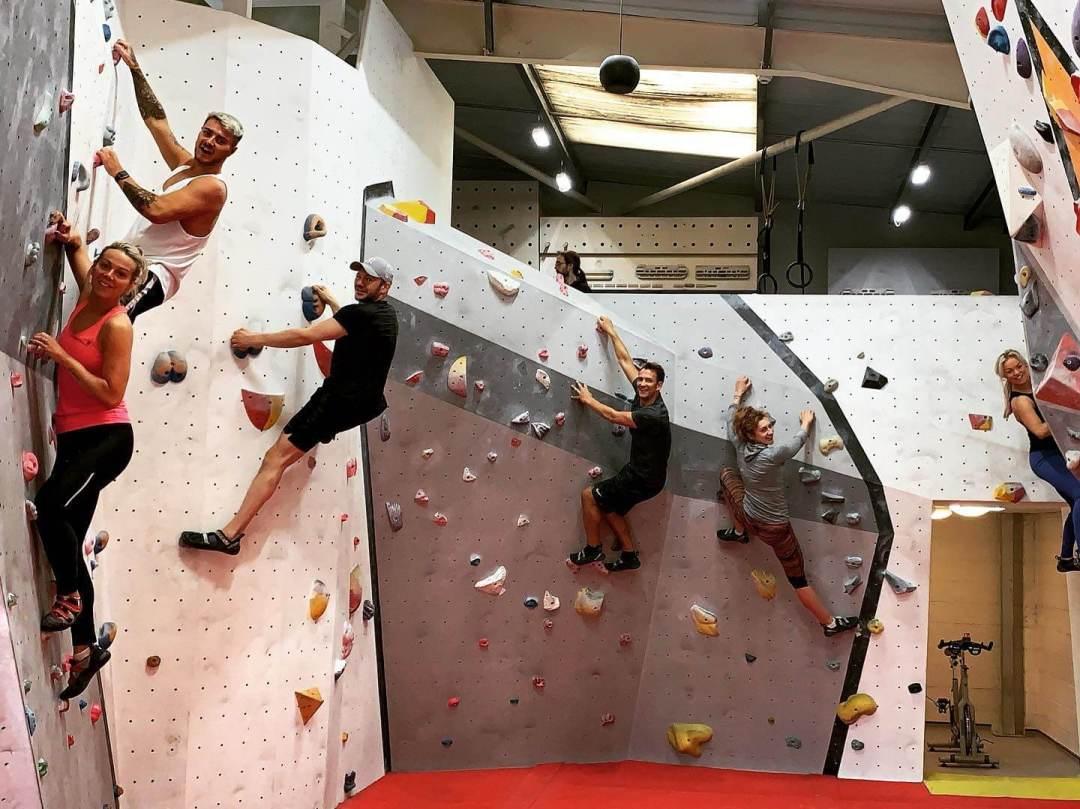 Dr Nestor Medical Cosmetics Centre rock climbing