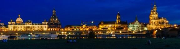 Dresden, Elbufer in der Abenddämmerung