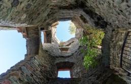 Burgruine Königstein, Blick im Turm nach oben