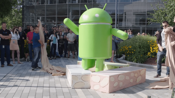 Android_nougat_statue_uncovering_fitter