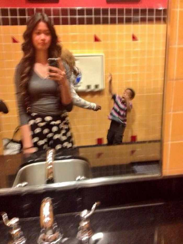 16 Epic Fail Inappropriate Selfies That Will Make Your Day -10