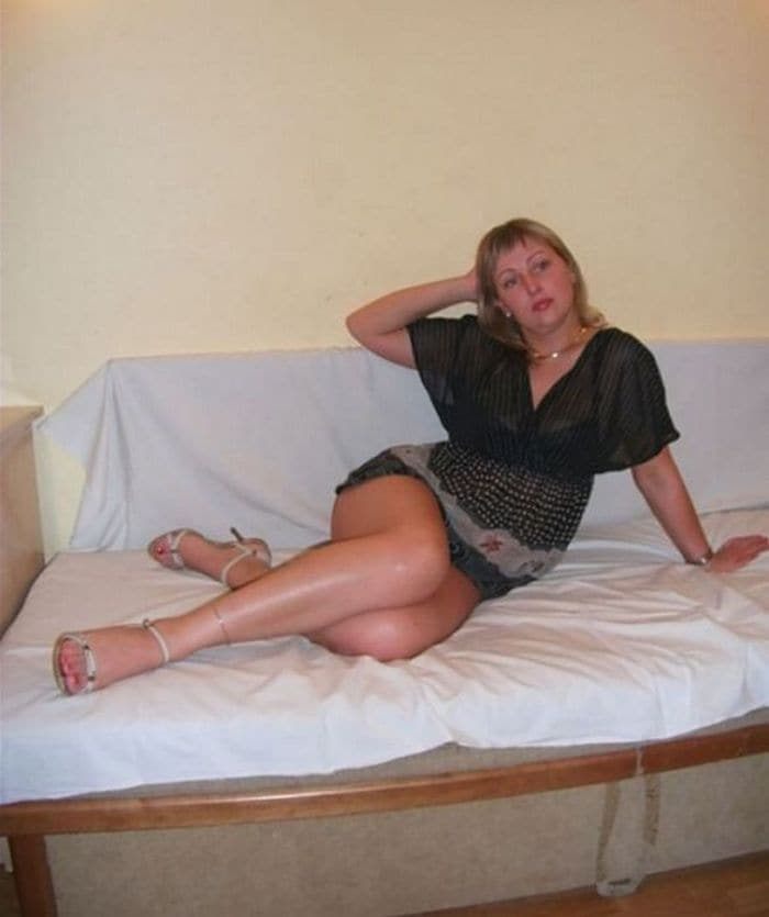 30 Funny Pictures of Russian Girls Who Failed to Look Hot -04