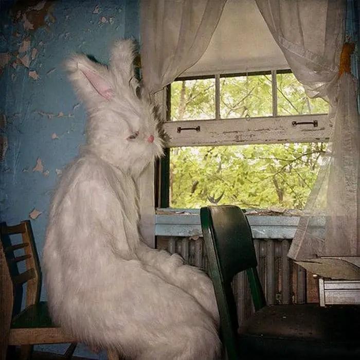20 Creepy Vintage Easter Bunny Pics Guaranteed To Make You Say WTF -19