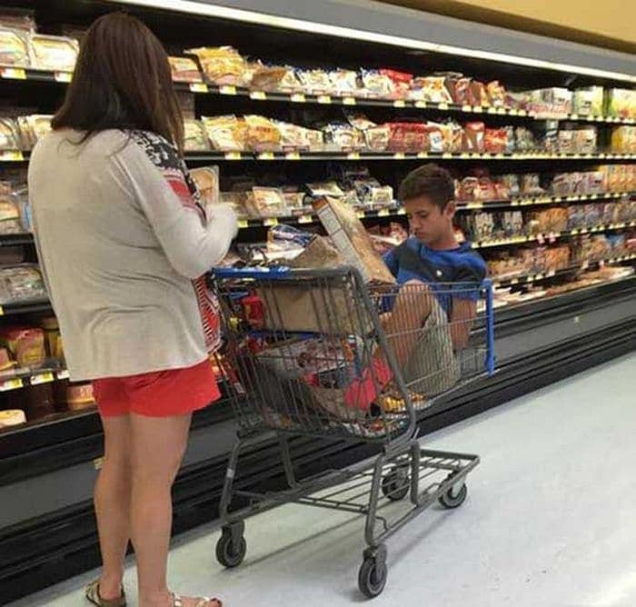 25 Ridiculous People of Walmart You Hope to Never Run Into