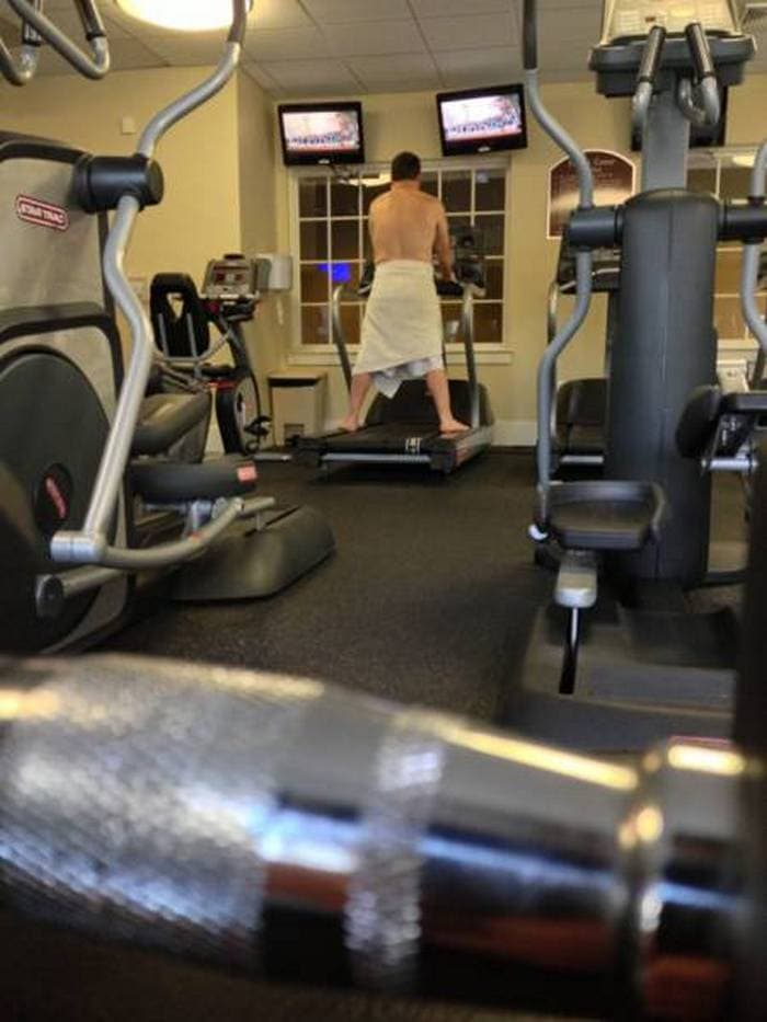 27 Epic Fail Gym Photos That Will Make Your Day -08