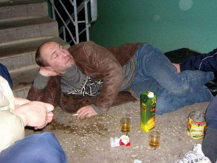 48 Ridiculous Drunk People That Will Shock You -37