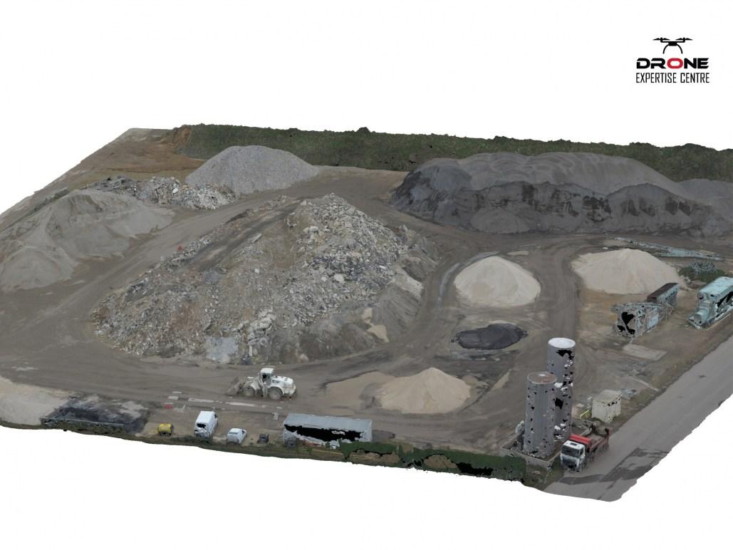 Modélisation 3D par drone par photogrammétrie d'un site de dépôt à Chatres (28)