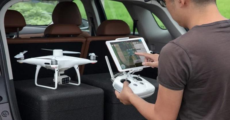 p4multispectral-drone-6 Droni