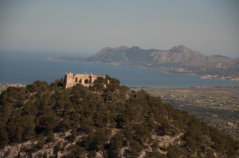 Puig de Maria y bahía Pollença