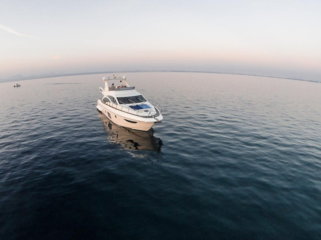 foto barco de lujo