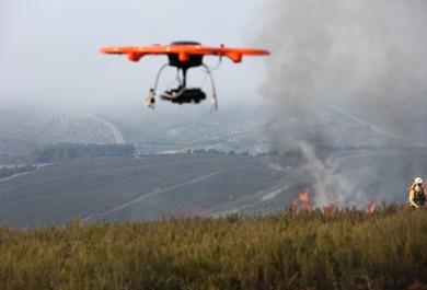 Dron en incendio