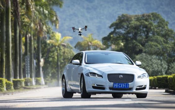 Within a growing trend of drone vs car the Inspire one takes on the Jaguar XJ