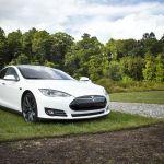 Sicurezza: White Hacker usarono un drone per hackerare auto Tesla