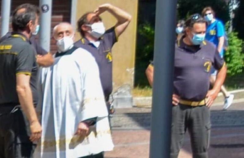 Drone rimane incastrato sulla Basilica di Seregno (MB)