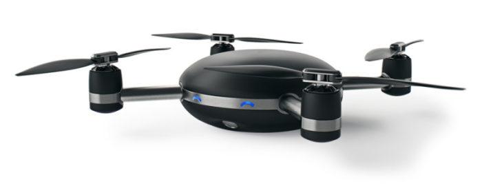 Lily dron, který vás sleduje a natáčí na každém kroku