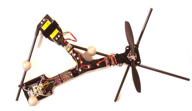 Víte co je Monospinner? Je to dron pouze s jedinou vrtulí!