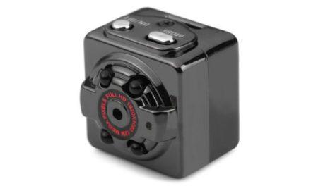 SQ8 Mini – levná autokamera s nočním viděním