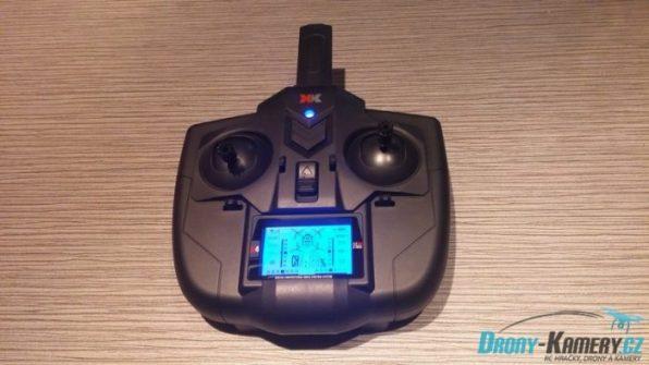 XK Alien X250 rádio rozsvícené