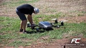 Prototyp obřího závodního dronu Freedom Class V1.0