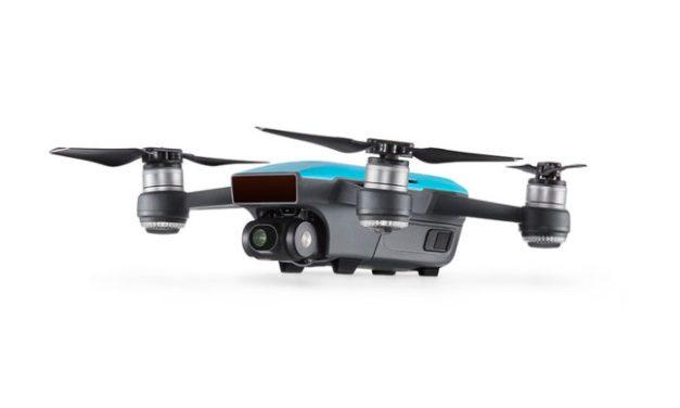Máme další slevové kupóny DJI Spark Fly More Combo v bílém a modrém provedení