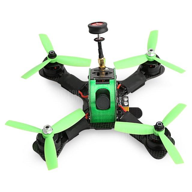 P180 – slušně vybavený závodní dron