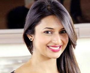 Divyanka Tripathi | First salary | Ishita first salary