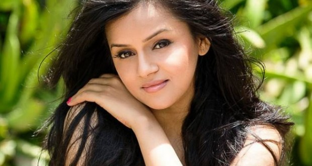 Jayshree Soni Pics | Images | Wallpapers | Photos | Wiki | Biography | Age | Date of Birth | Boyfriend