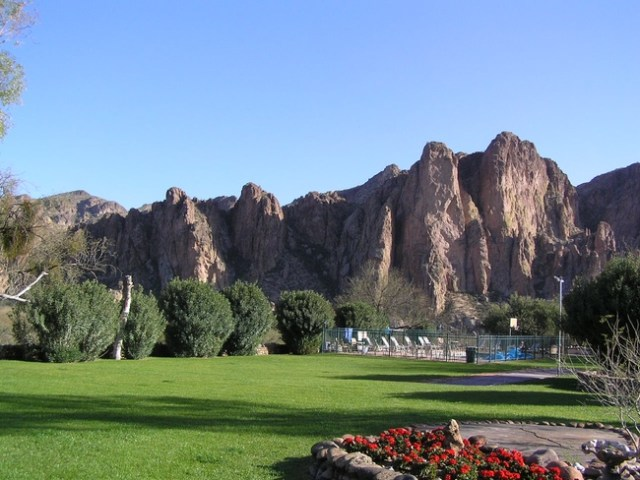 View of the country at Saguaro Lake