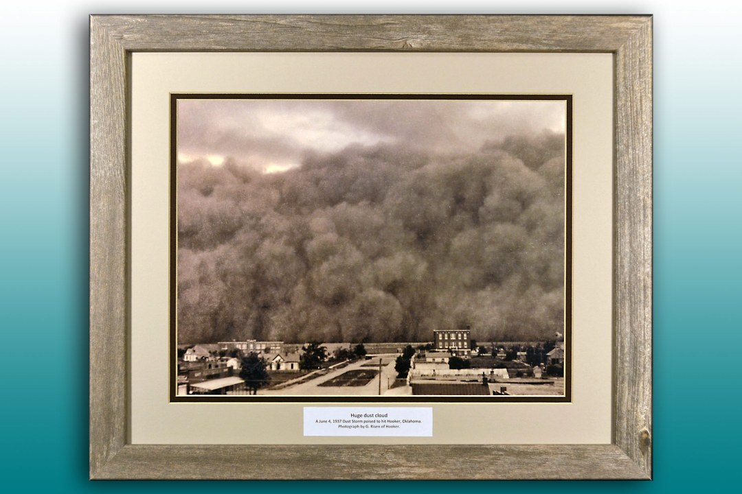 Framed image of a giant dust cloud approaching Hooker, Oklahoma, 1937.