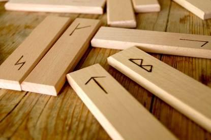 Buchenbuchstaben Runen
