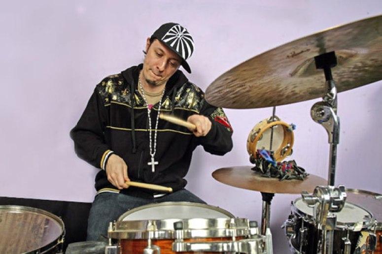 Adam Deitch - DRUMMERWORLD